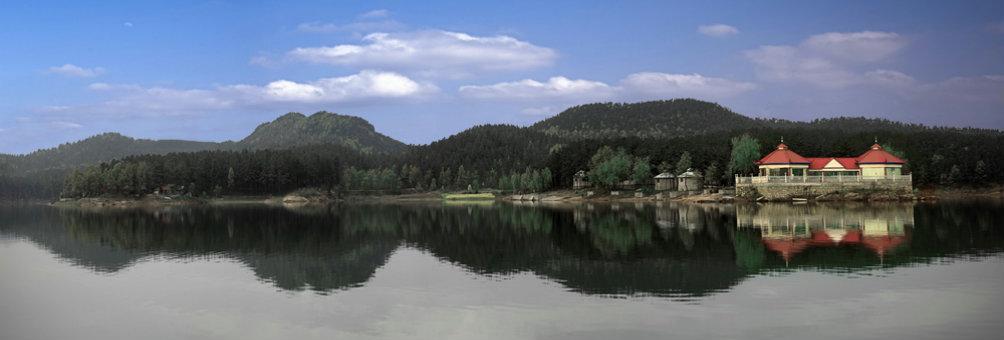 铜山湖水天一色