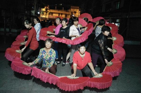 南溪区各贫困村积极备战广场舞比赛